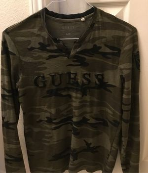 Guess Camo Long Sleeve Shirt (S) for Sale in Grand Prairie, TX