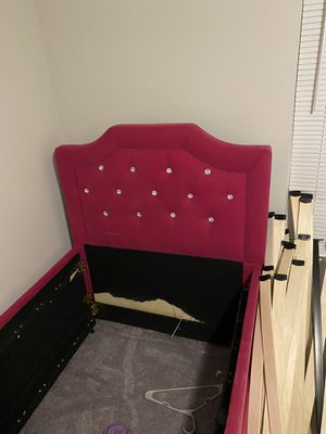 Girl twin bed for Sale in Mableton, GA