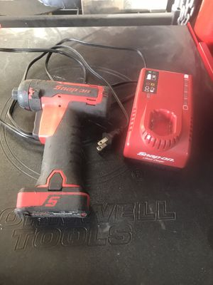Snap-On 1/4 Screw Gun 14.4V battery W/ charger for Sale in Las Vegas, NV
