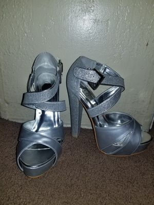 Heels size 6 for Sale in Pomona, CA