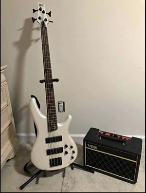 Bass guitar and speakers for Sale in Baltimore, MD