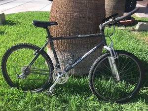 Vintage early 90s diamondback response comp with full Shimano XT set In very good condition for the year for Sale in Phoenix, AZ