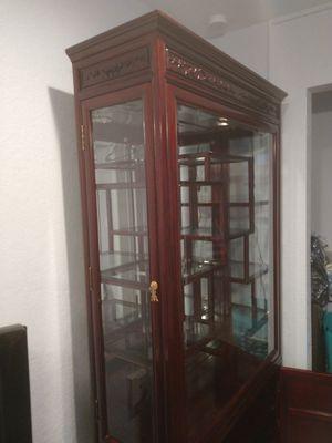 Curio cabinet for Sale in Ocean Ridge, FL