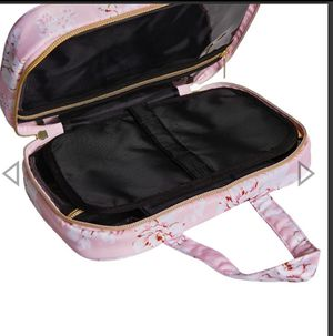 Yumi kim hanging train case brand new for Sale in San Diego, CA