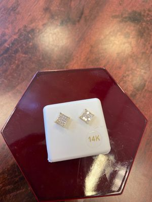 14k earring with 3/4 ct real diamonds 💎....just for $700 for Sale in Duncanville, TX