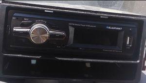 Estereo BLAUPUNKT AUX/BLUETOOTH/RADIO/USB. $30 for Sale in Houston, TX