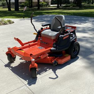 Zero Turn Mower - Ariens/Gravely IKON X-42 for Sale in Dade City, FL