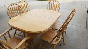 Dining room table and chairs for Sale in Rialto, CA