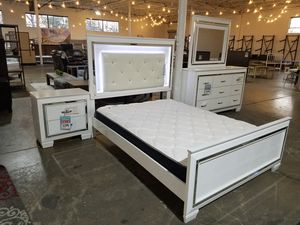 Queen Bed Set Dresser Mirror Nightstand Bed Frame for Sale in Dallas, TX