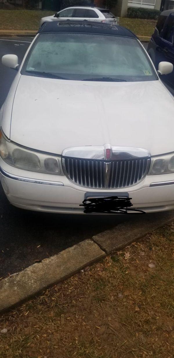 Lincoln 2000 town car