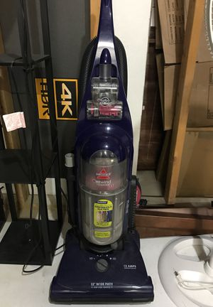 Bissell vacuum for Sale in Brunswick, OH
