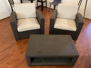 Outdoor furniture set - two chairs and coffee table for Sale in Los Angeles, CA