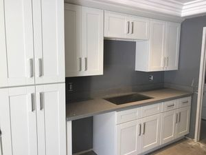 Kitchen Solid Wood Cabinet Quartz Counter tops Warehouse for Sale in El Monte, CA