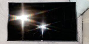 Vizio Smart Tv 50 inch! for Sale in Salina, KS