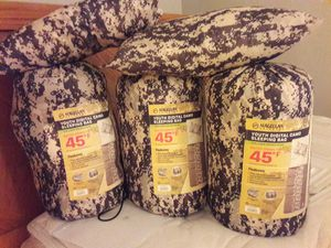 3 youth camo sleeping bags, never used for Sale in Pompano Beach, FL