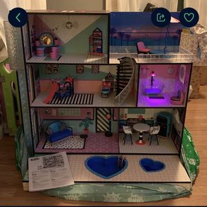 OMG! •LoL Doll House • for Sale in Chino Hills, CA