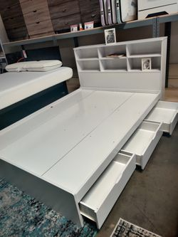 Twin 3-Drawer Storage Bed Frame with Headboard, White for Sale in Midway City,  CA