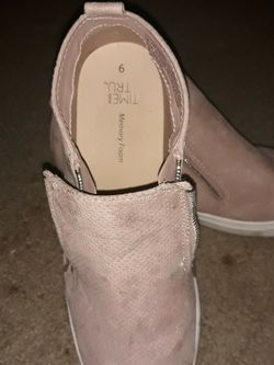 Time N True. Cream Pink Shoes. Size:9 In Women. for Sale in West Valley City,  UT