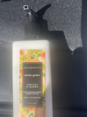 Pecksniffs Kitchen Garden Apricot & Jojoba Body and Hand Lotion for Sale in NJ, US