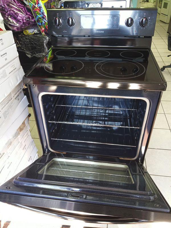 Electric stove black brain new Whirlpool
