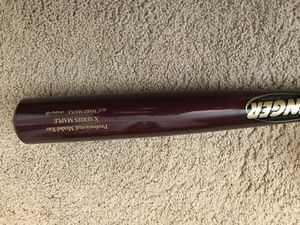 Zinger Adult professional wooden baseball bat for Sale in Oviedo, FL