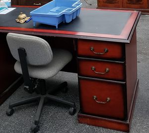Executive Desk for Sale in Dayton, MD