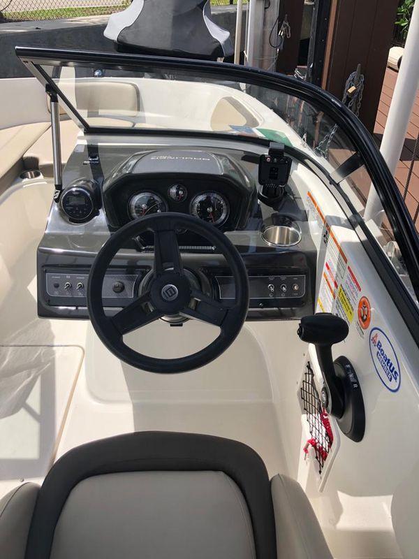 Boat Bayliner 2017 - 26hrs