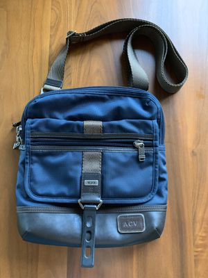 Tumi crossbody messenger bag for Sale in Bethesda, MD