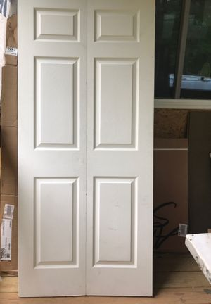 "36"" wide bifold closet door for Sale in Charlotte, NC"