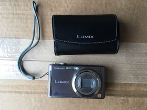 Panasonic Lumix DMC-FH27 16 megapixels Digital Camera w/ case and battery charger for Sale in Newberg, OR