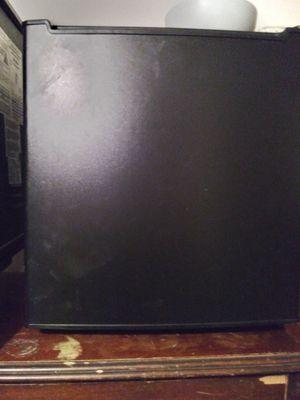 Mini fridge black great for college dorm or just ur bedroom or game room at home for Sale in Tulsa, OK