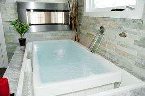 Kohler infinite hot tub for Sale in Miami, FL
