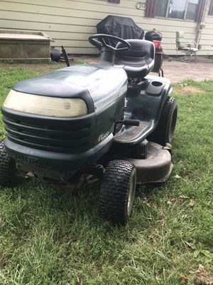 Craftsman Lt1000 for Sale in Akron, OH