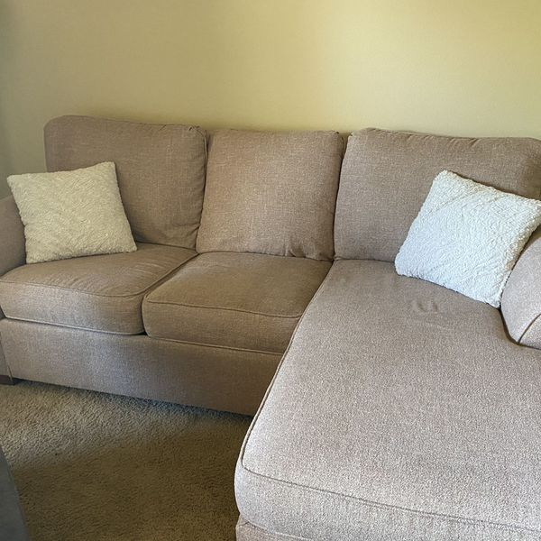 Nice pull out couch with a queen bed fold out