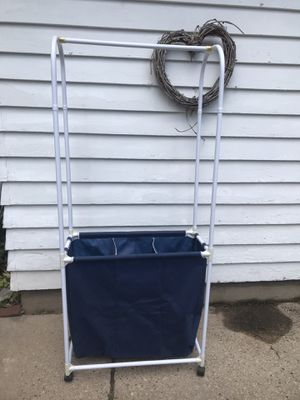 Laundry Cart and Rod for Sale in Greenville, WI