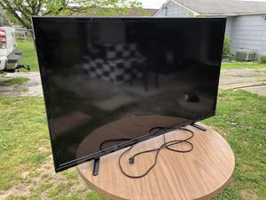 Hisense Flat screen TV (35'0 inch) for Sale in Knoxville, TN