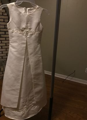 NWT Flower Girl Ivory Dress Gown Size 7 for Sale in Graham, NC
