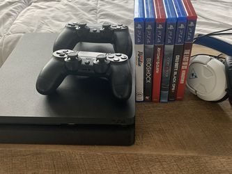 PS4 Slim 1tb w/ Original box, two controllers, turtle beach headset and games in picture. for Sale in Orlando,  FL