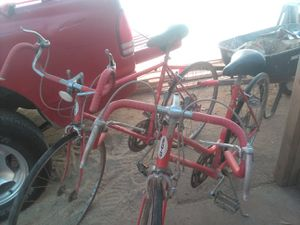 Two his and hers vintage Schwinn bikes 10 speeds for Sale in Fresno, CA