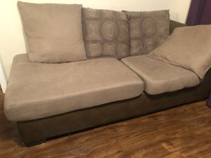 Free‼️2 sectional cover can take off and wash for Sale in Pompano Beach, FL