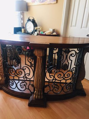 Vintage Accent Table/Bar/Tv Stand for Sale in Rockville, MD