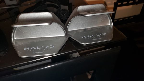 Xbox One Halo 5 Controller Stands