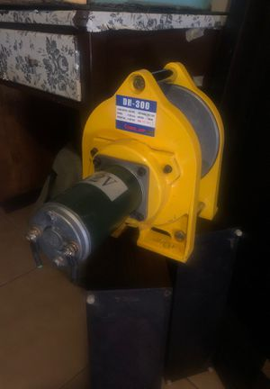 12v Electronic Winch for Sale in Peoria, AZ
