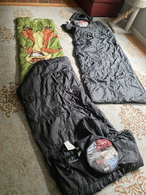 2 adults and 1 kid sleeping bags for Sale in Sammamish, WA