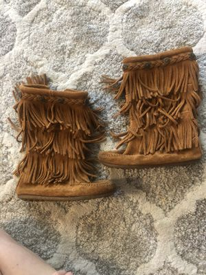 Minnetonka 3 layer fringe boots- genuine leather size 13 girls for Sale in Danville, CA
