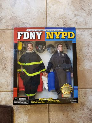NIB 9/11 NYC Salute To NYPD FDNY Policeman Fireman Action Figures for Sale in Willow Spring, NC