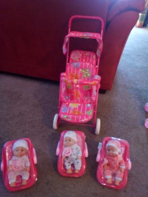 Two small dolls with car seat and double doll stroller 25 bucks for Sale in Palmdale, CA