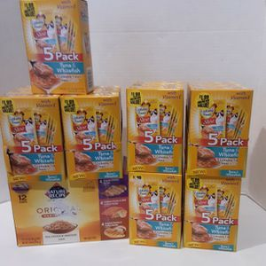 Sealed Cat And Dog Soft Food Packs... for Sale in Las Vegas, NV