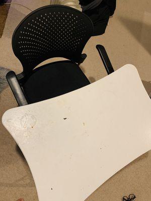 Desk & Chair for Sale in Manassas, VA