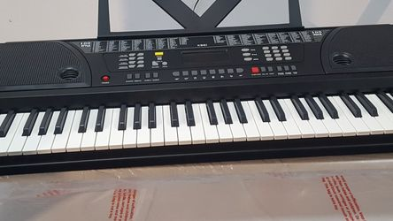 """KEYBOARD ELECTRIC PIANO """"61"""" KEYS BRAND NEW for Sale in Long Beach,  CA"""